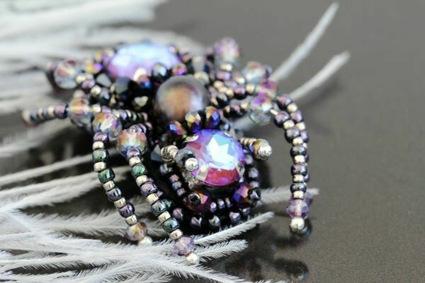 "The ""Spider New"" brooch"