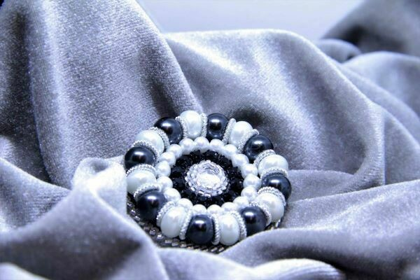 """Brooch with pearls """"Black & White"""""""