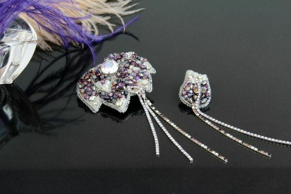 "Pair brooch with Swarovski crystals ""Aquilegia"""