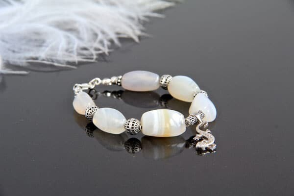 Bracelet made of natural stones