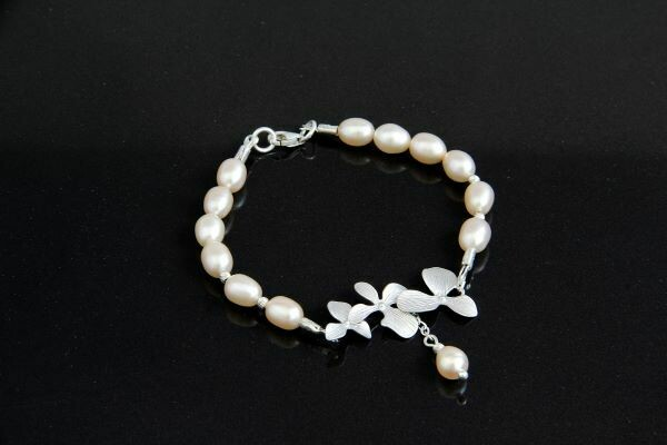 "Bracelet with pearls ""Percy"""