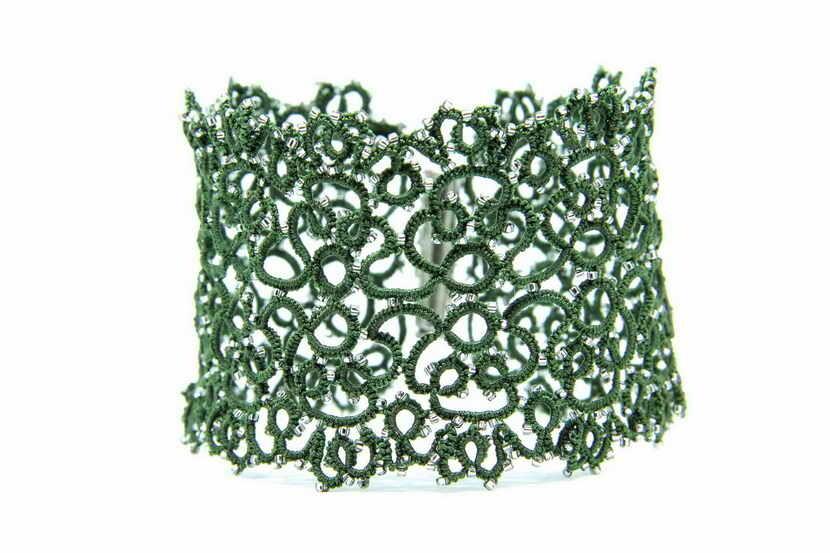 "Lacy (tatting) bracelet ""Labirint Green"""