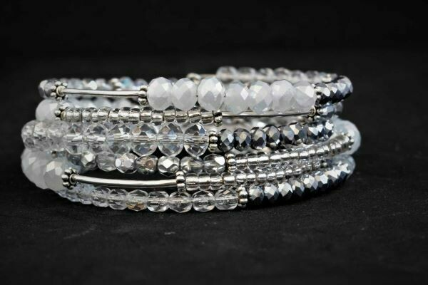 "The ""White Silver"" memory bracelet"