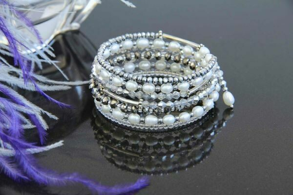 """Bracelet with white pearls """"Milady"""""""