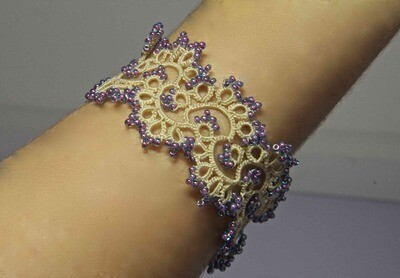 """Lace bracelet with beads """"Cream tracery"""""""