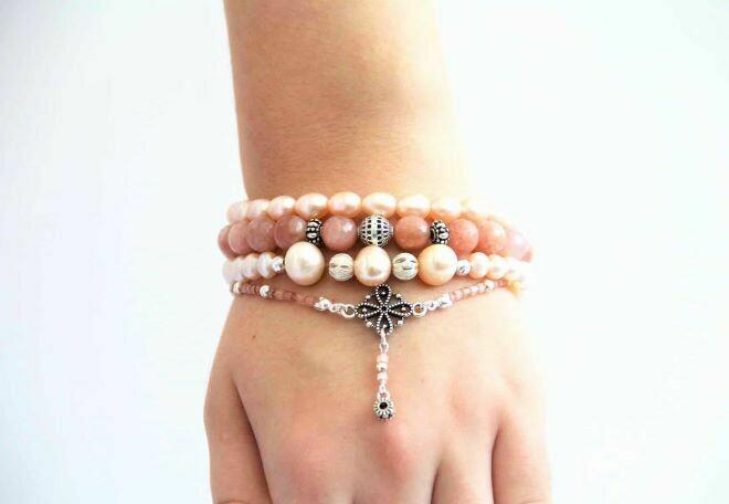 "A set of bracelets made of natural stones ""Smoky Rose"""