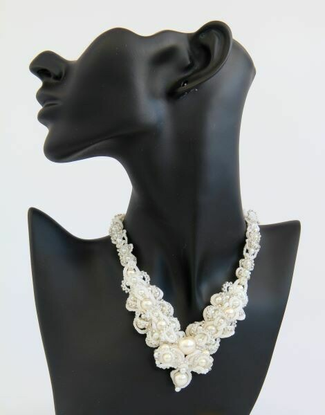 "Necklace ""Wedding"" lace with pearls"