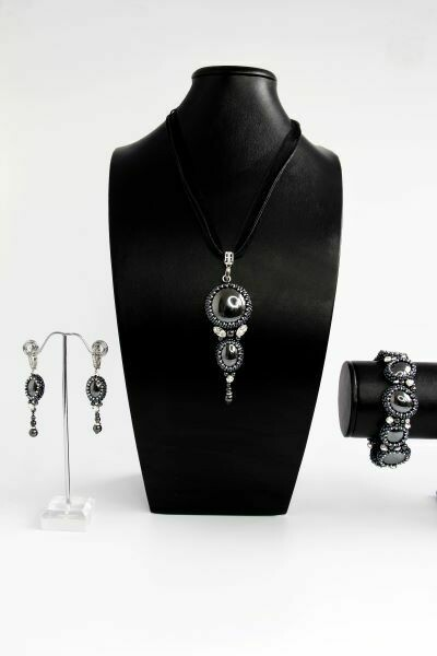 """Set of jewelry made of natural hematite """"Black Boat"""""""