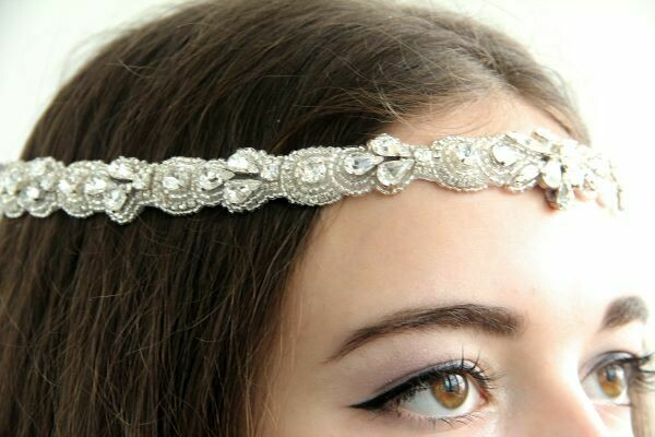"Wedding wreath with crystals ""Bride Light"""