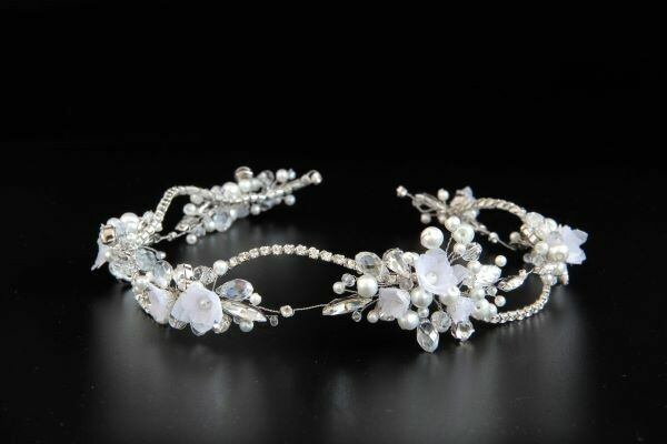 "Wedding head wreath with Swarovski crystals ""Nicoletta"""