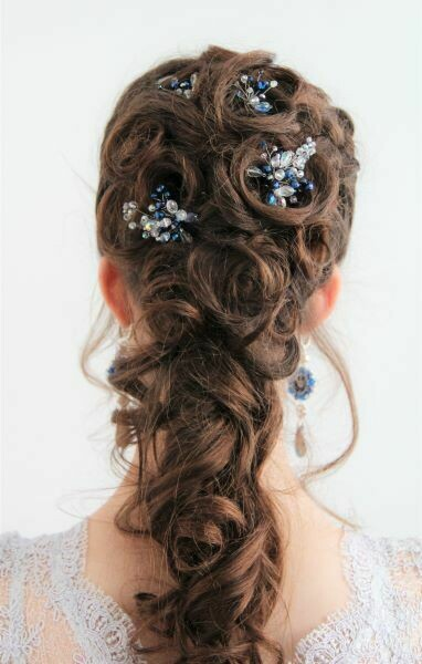 """Crystals"" hairstyle decoration"