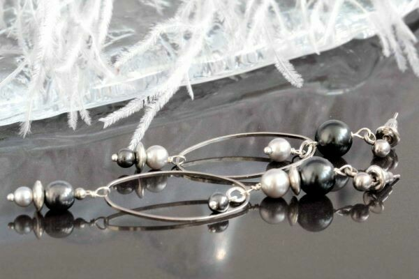 """Earrings with pearls """"Minimalist-small"""""""