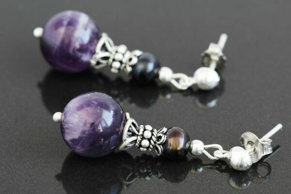 Earrings with natural amethyst