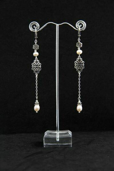 "Earrings from pearls ""Aisha"""
