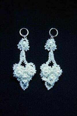​Lace earrings with pearls