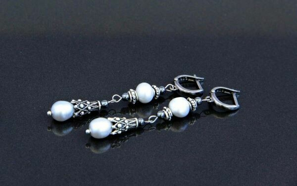 "​Earrings with natural pearls ""Helena"""