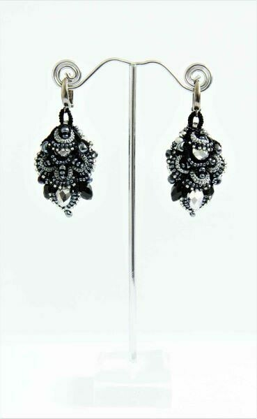 "​Earrings ""Black Lily"""