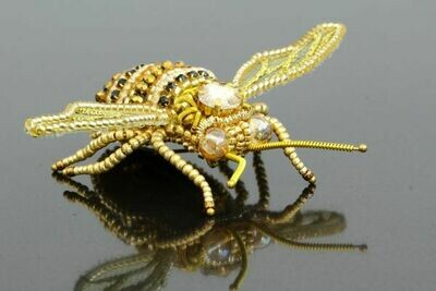 """Мaster class """"Embroidered brooches: brooch is a bee"""""""