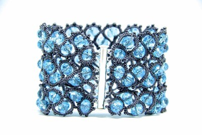 How to weave a tatting bracelet?