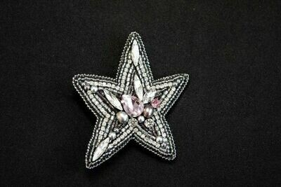 """Мaster class """"A brooch made of beads, beads and crystals"""""""