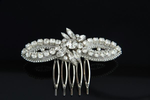 """Hair accessory (comb) with """"Camilla"""""""