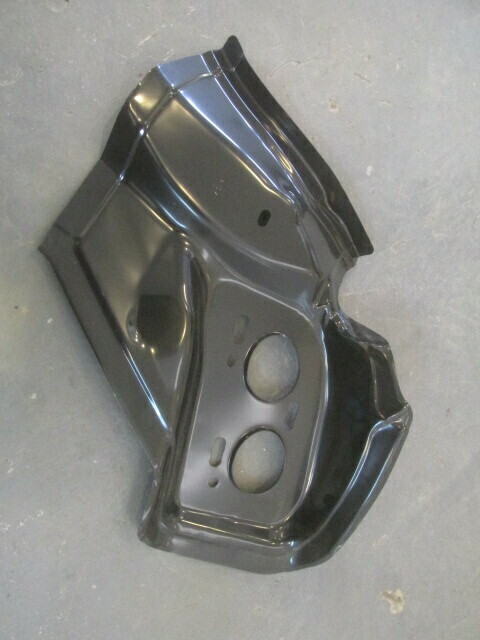 Панель крепления заднего правого фонаря. Хэтчбек. Оригинал Mazda 3 2009> (новая)