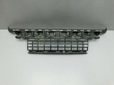 Центральный кронштейн заднего бампера. Отремонтирован незначительный дефект. GLK-Klasse X204 2008> (б/у)
