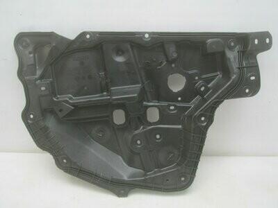 Внутренняя панель двери. CX 5 2012> (новая)