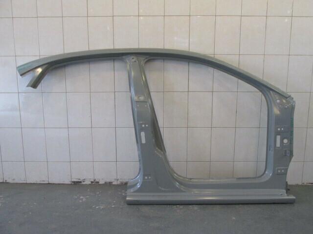 Часть правой боковины. Polo Sedan 2011-2020 (б/у)