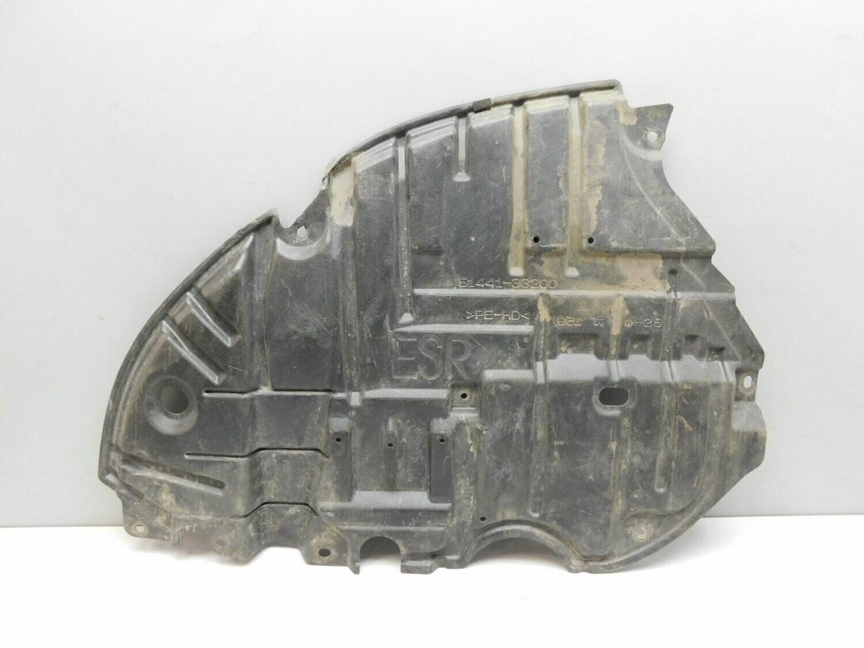 Пыльник двигателя нижний правый. ES 2012> (б/у)