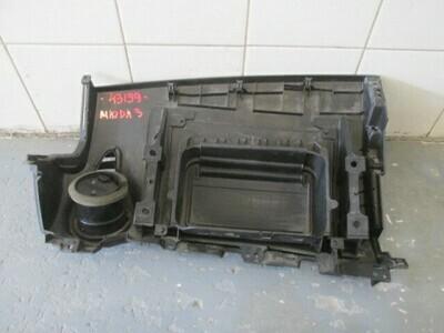 Крышка подушка безопасности (в торпедо) пассажирская. 3 2002-2009 (б/у)