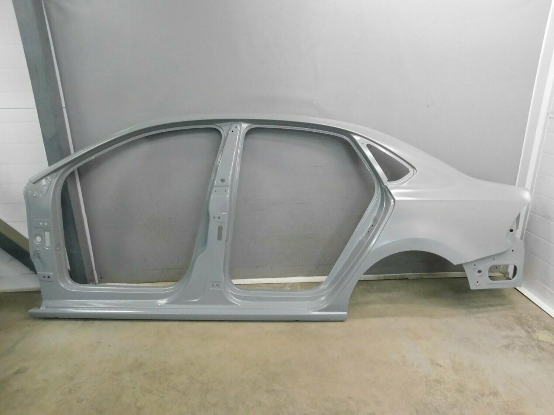 Оригинал VAG. Боковина левая, с площадкой крепления фонаря. Polo Sedan 2011-2020 (б/у)