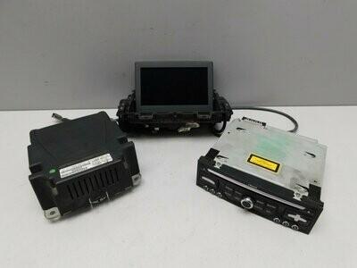 Комплект: Проектор на лобовое стекло, радио дисплей навигации и CD проигрыватель. 3008 2010> (б/у)
