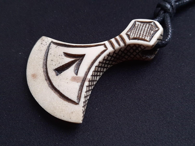 Mjolnir, Norse Mythological Tiwaz Rune Amulet, Antlers Hand-Carved