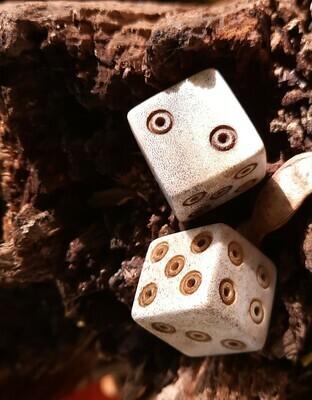 Ancient Roman Bone Gambling / Gaming Dice, Bone Dice (1st-3rd century AD copy / replica) hand-carved, 2 pcs offer