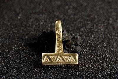 Mjolnir, Mjöllnir, Thor Hammer Pendant, Viking Warrior Pagan Amulet, Bronze