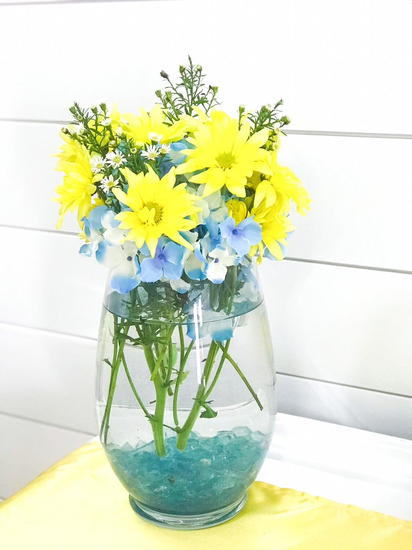 "Glass Vase 9"" Tall"