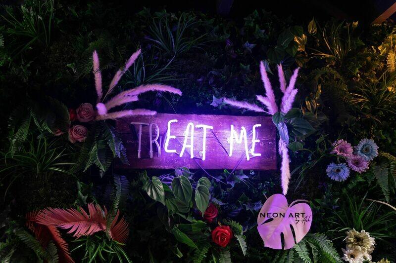 Treat Me Neon Sign | Flashing Neon Bar Light Sign
