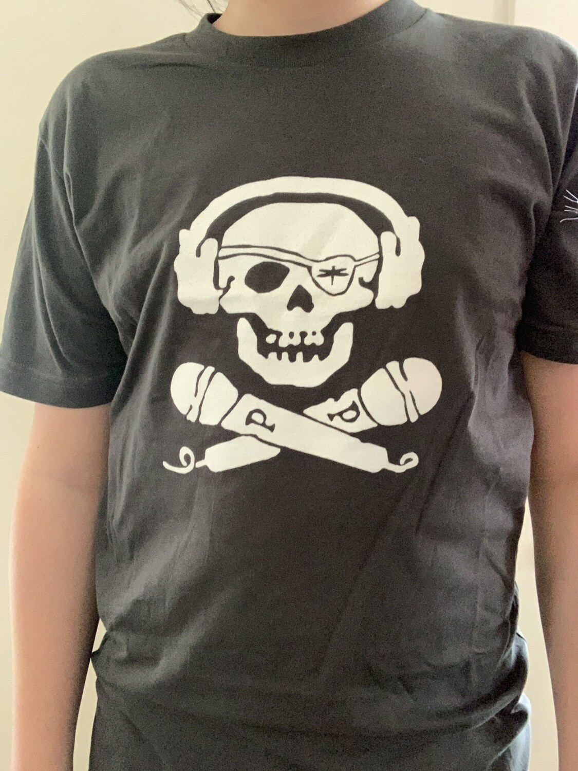 Vintage 2005 Pink PiRaTE logo T shirt (can be signed)