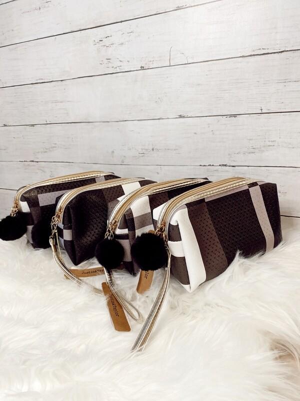 1014903 B/W Cosmetic Bag