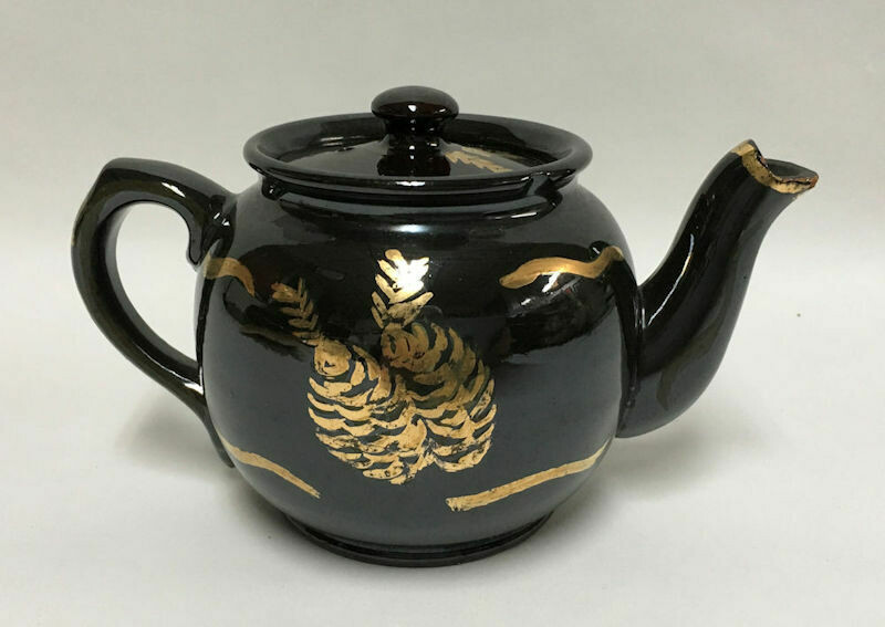Sadler Glazed Teapot & Lid - Rockingham Brown Hand Painted in Gold Gild 2 Cup
