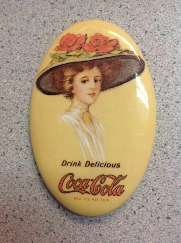 Vintage 1973 Hand Held Coca Cola Oval Compact Mirror