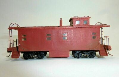 HO Scale Rear Cupola Caboose w/Kadee Couplers - Custom Painted Red