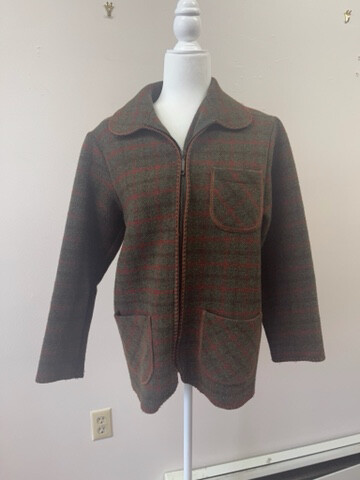 Alfred Dunner Old-School, Hunter Style Plaid Jacket with Stitched Trim, Size Petite 6