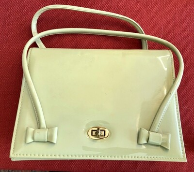 Vintage Mutterperl Handbag (pre-1954) Green Patent Leather with Brass Clasp