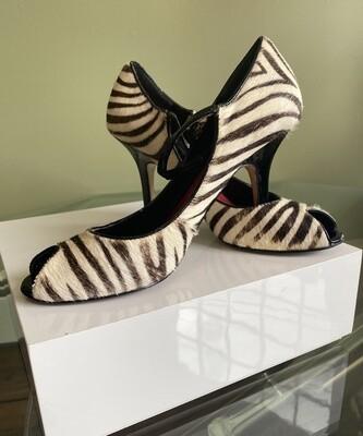 Nine West Zebra Pint Shoe SIZE: 7M