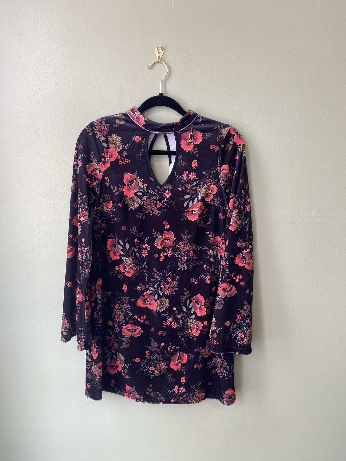 90s-inspired Floral Keyhole Dress, Size M