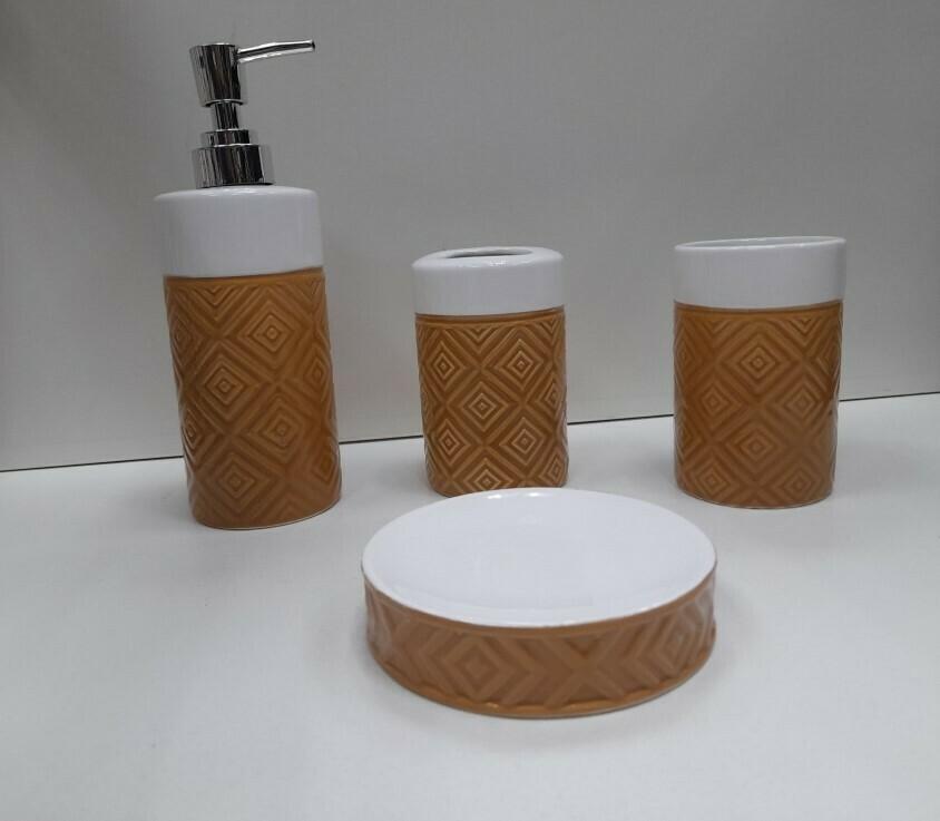 Set accessori bagno in ceramica