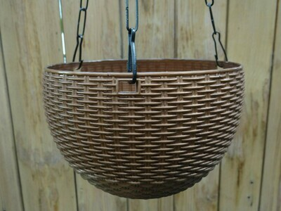 Rattan hanging plastic pot 7.1 inch (multiple colors)