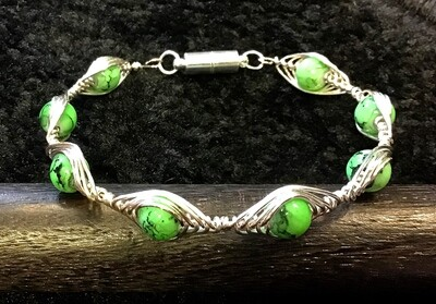 Green Stone Weave Bracelet With Magnetic Clasp
